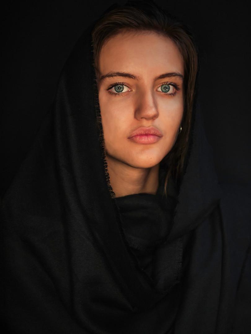 Eva Bus Portrait