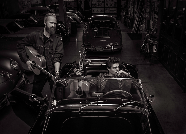 Band Portrait Oldtimer Garage