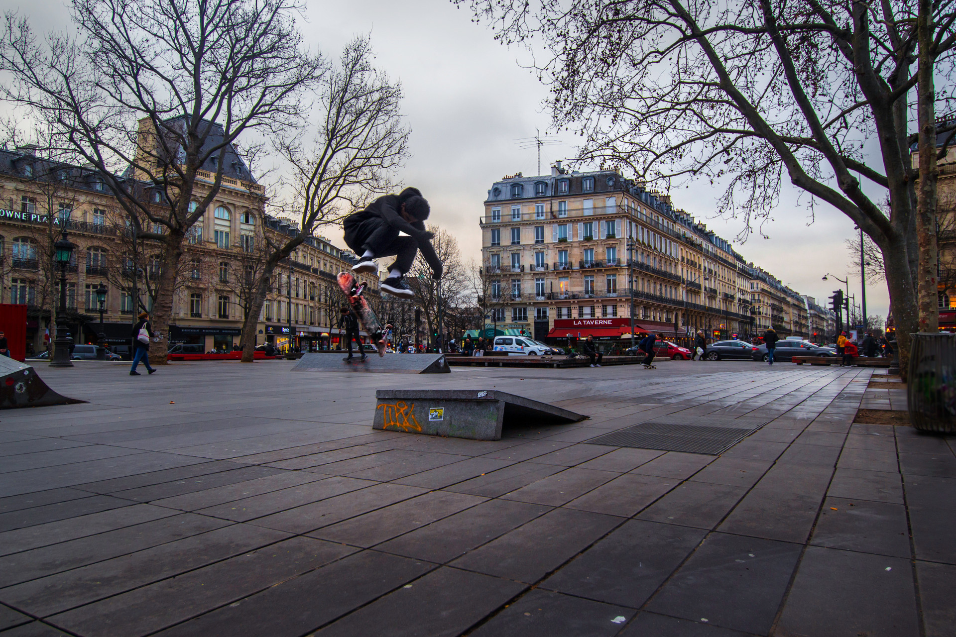 Skateboarder Paris