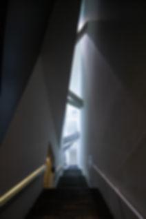 Joods Museum Trap Licht naar boven ORIGI