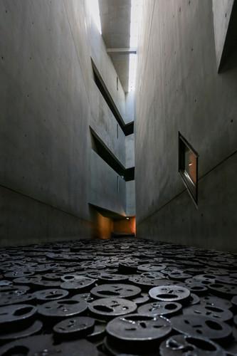 Jewish museum Interior Memory Void Room, Berlin. By Daniel Libeskind