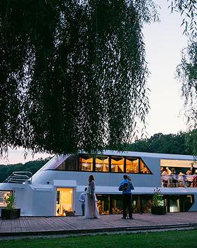 poza 1 - Monticello_nunta pe yacht_weddi