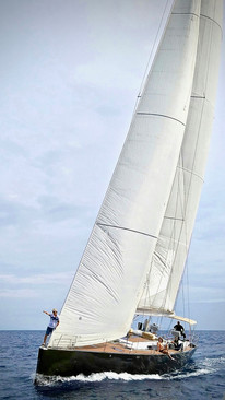 Nereida Hanse 630e with blown sails