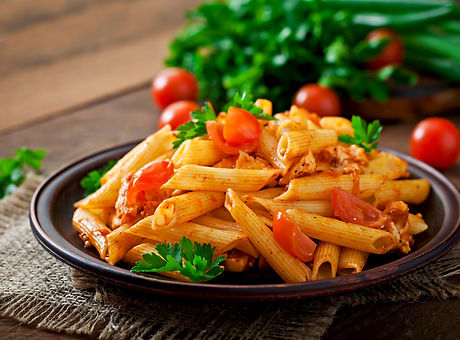 penne-pasta-tomato-sauce-with-chicken-to