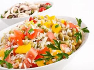rijstsalade-met-tomaat-paprika-en-erwtje