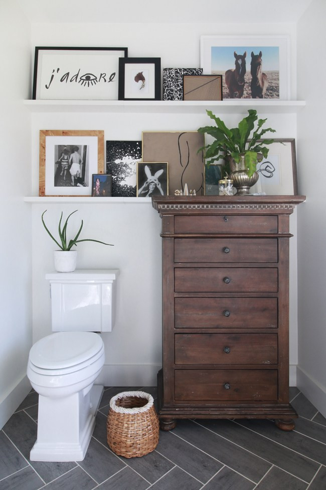 Bathroom-Art-Wall-Lo