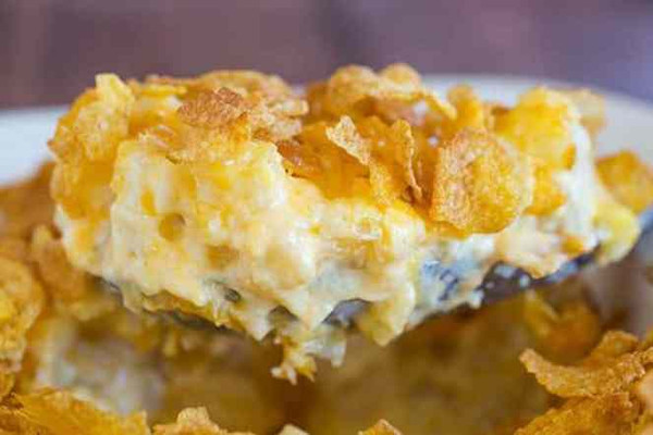 cheesy-potato-cornflake-casserole-14-600