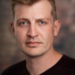 Christopher Everett Headshot