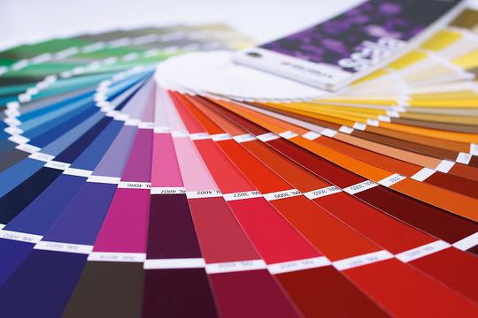 Ob weiß oder farbig. Ob Erneuerungsanstrich oder Fassadensanierung.Malerbetrieb Skock. 0234 261 261