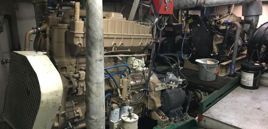 Lugger-style Tug Engine.JPG