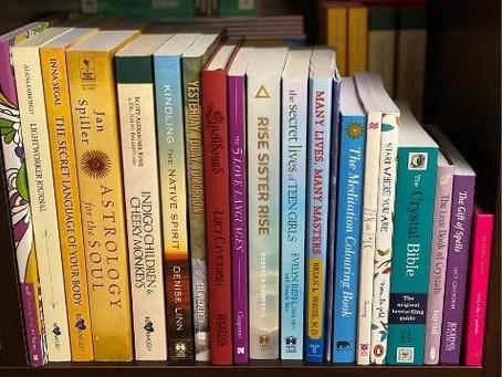 I JUST LOVE BOOKS - I DO