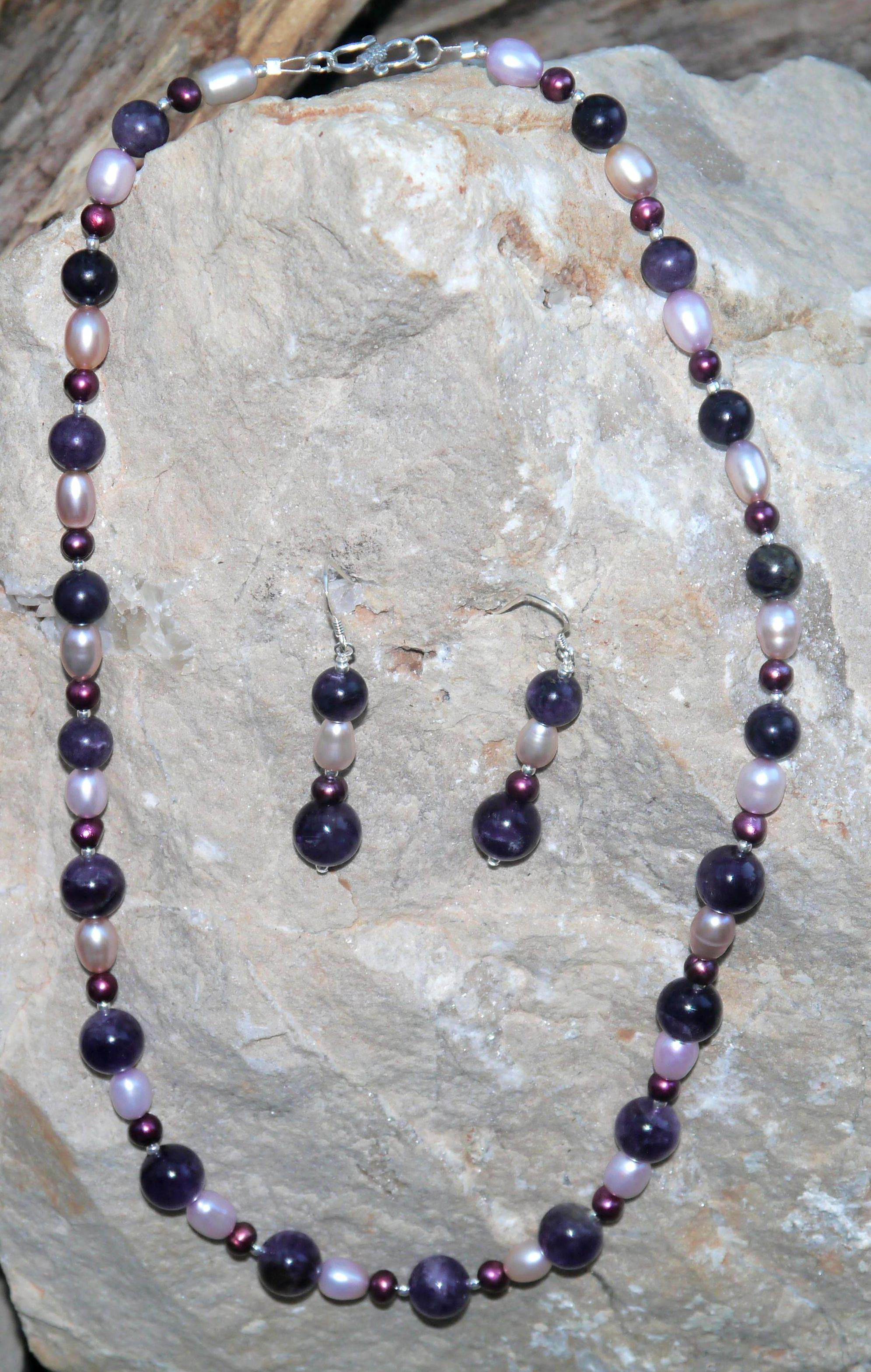 Fresh Water Pearls & Amethyst