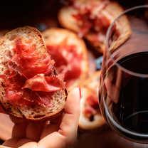 Visita Guiada de Tapas y Cata de Vinos
