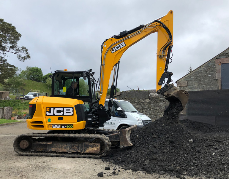 JCB 8T Excavator.JPG