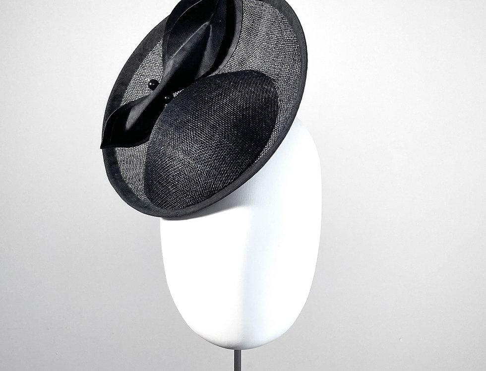 ILARIA - saucer hat - black