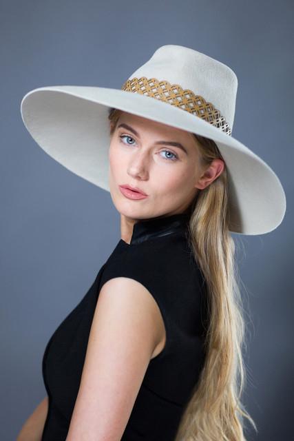 CASUAL felt hats