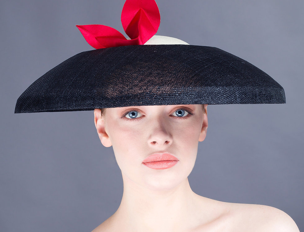 Kumi angular coolie hat with recessed crown and origami leaf trim