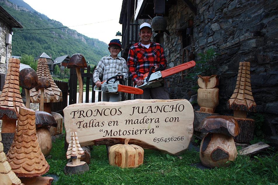 Troncos juancho for Jardines con piedras y troncos