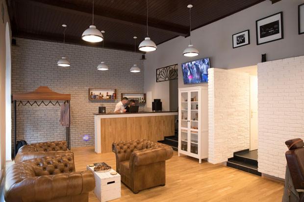 005_design_interior_barbershop_vienna.jp