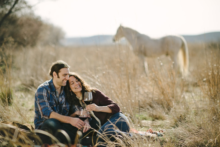 Rock Your Winter Engagement Photos with 5 Easy Tips