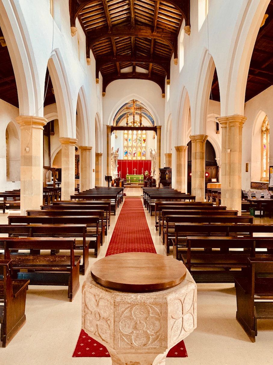 Inside-St-Marys-Church-Old-Amersham.jpg