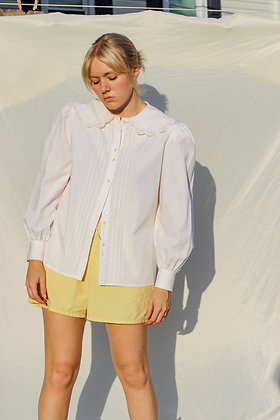 medium lace collar blouse