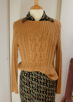 S/M ochre cable sweater
