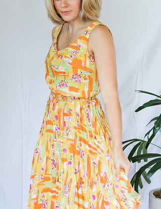 Medium funk and floral belted dress