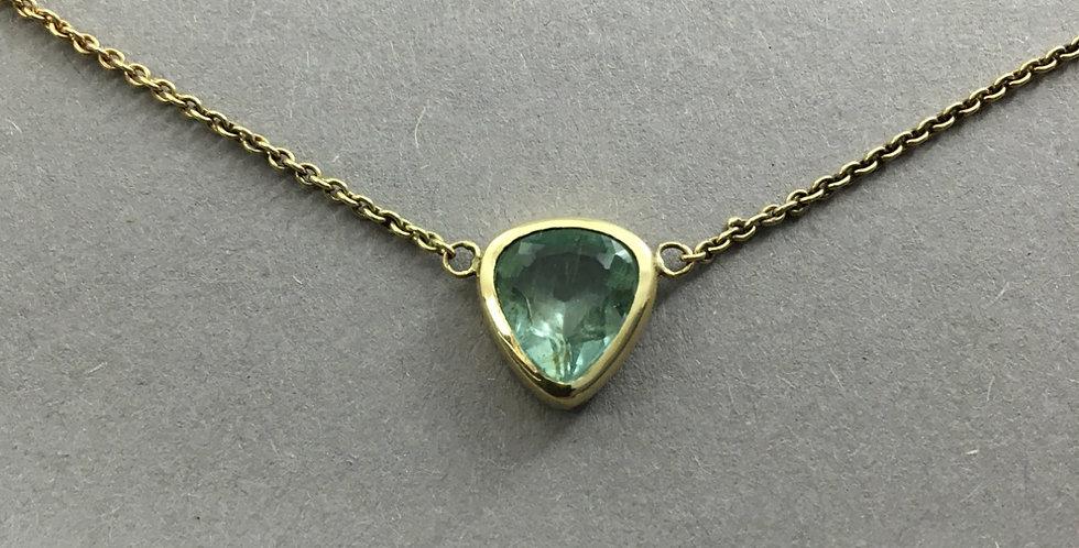 Goldkette mit grünem Apatit