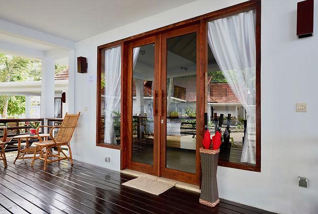 Villa Porch copy.jpg