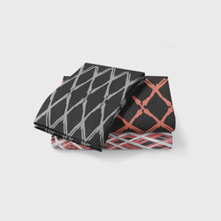 Set black red triangles
