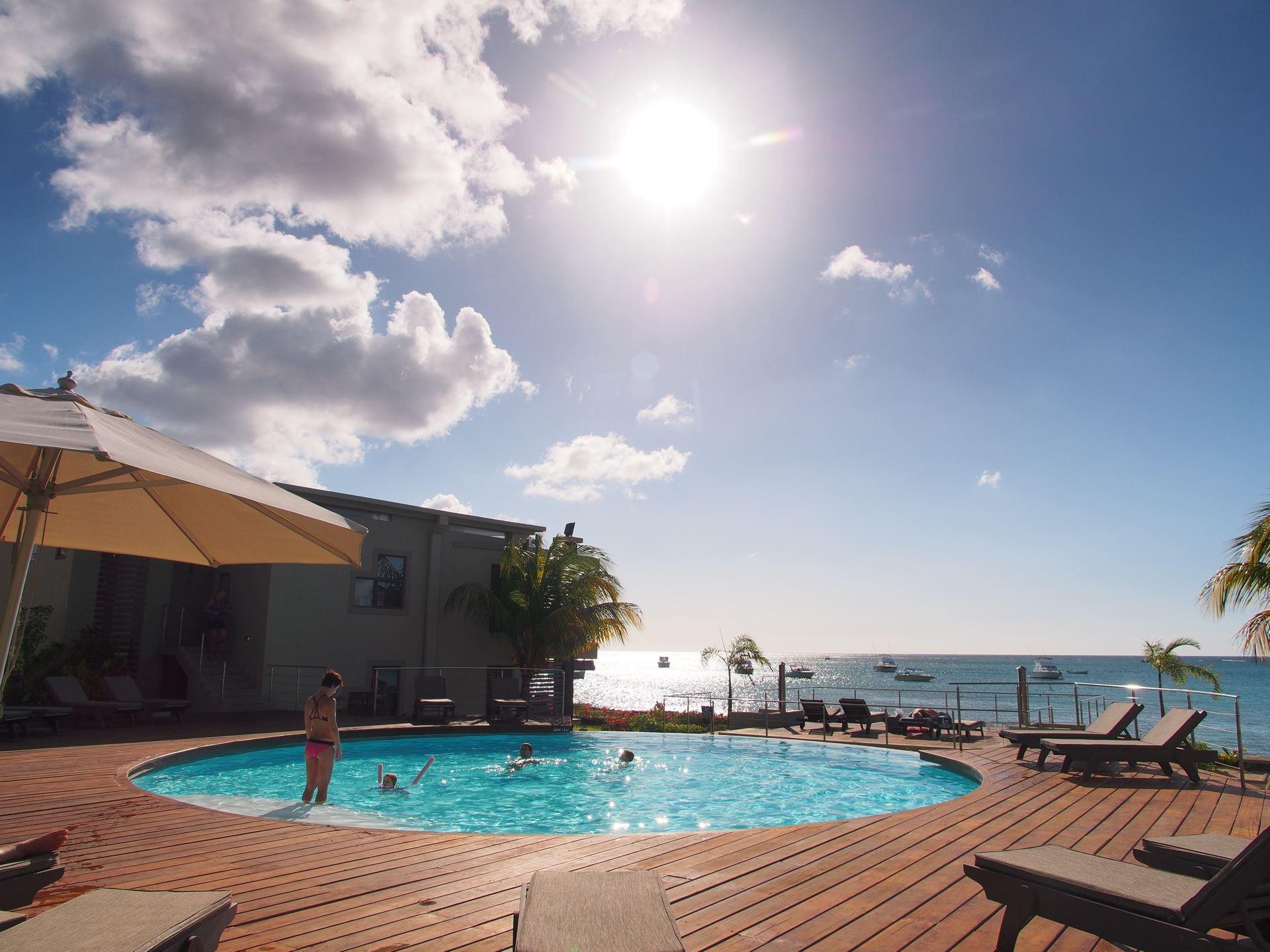 Lov. Le Cerisier Beach Apartments & Penthouses - Pool and Be.jpg