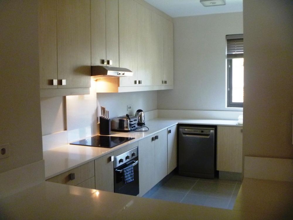 la-residence-luxury-beach-apartments-23.jpg