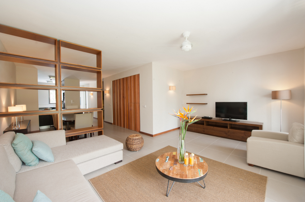 la-residence-luxury-beach-apartments-02.jpg