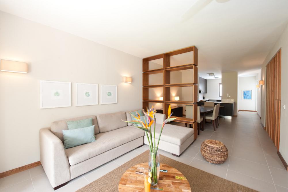 la-residence-luxury-beach-apartments-03.jpg