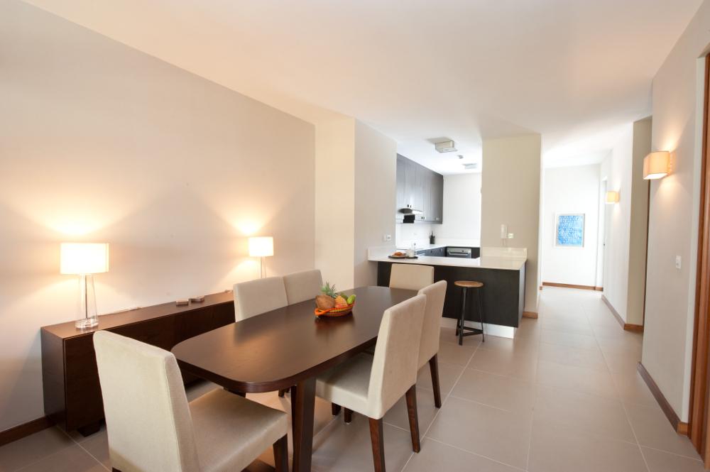 la-residence-luxury-beach-apartments-06.jpg