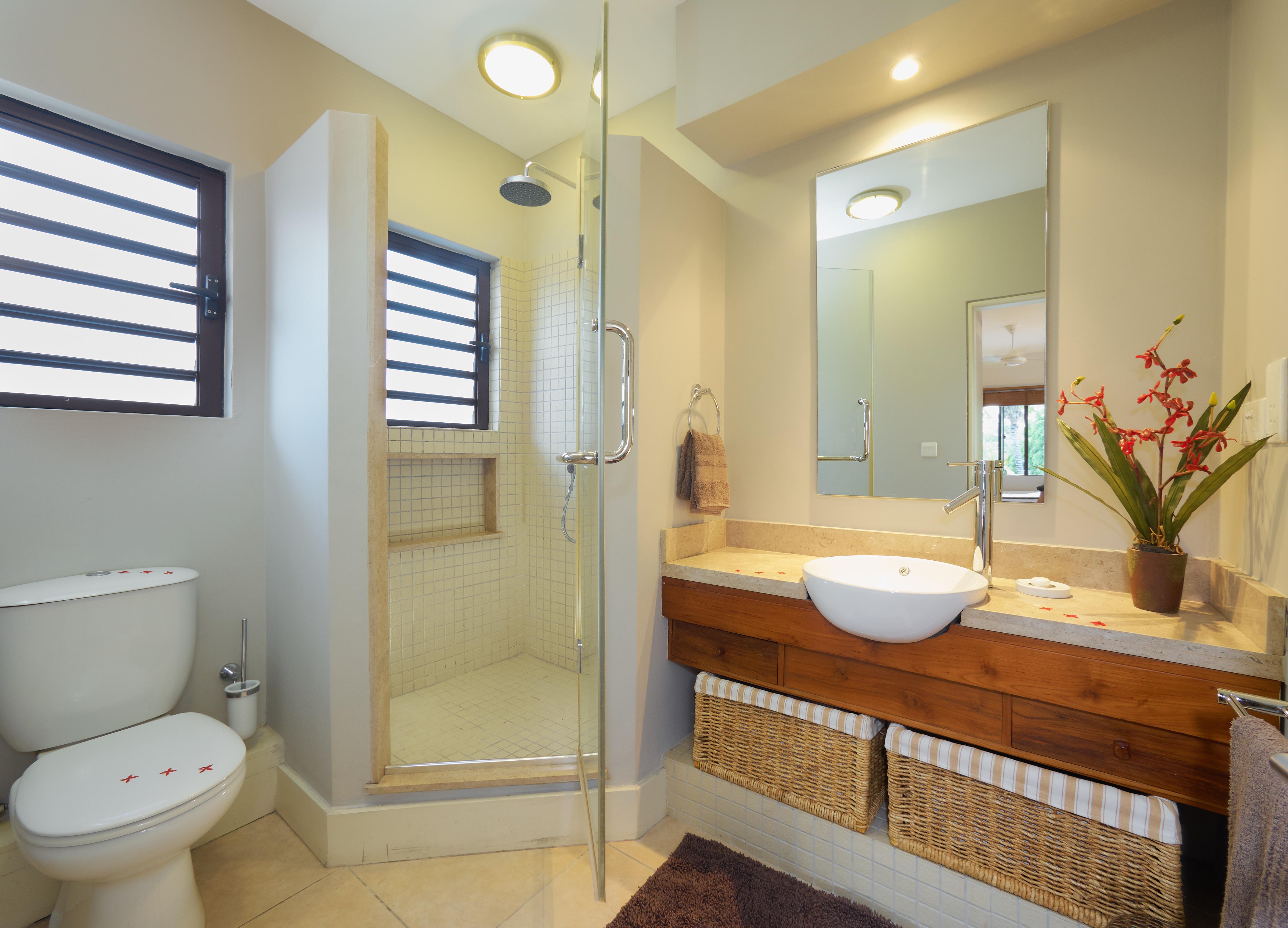 BA Villa Bathroom (2)