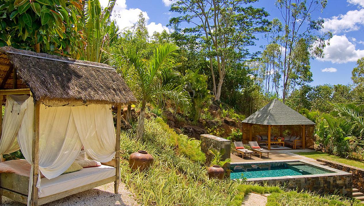 garden pool1.jpg