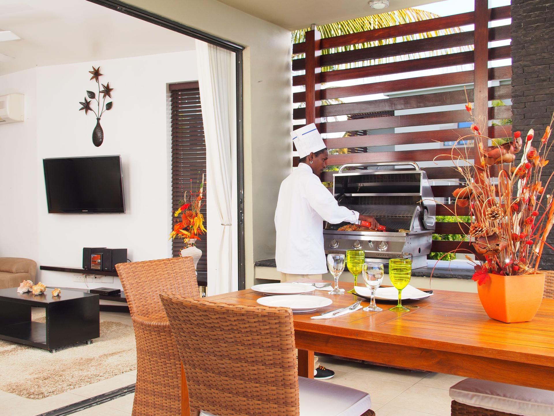 Lov. Le Cerisier Beach Apartments & Penthouses -  Private Ch.jpg