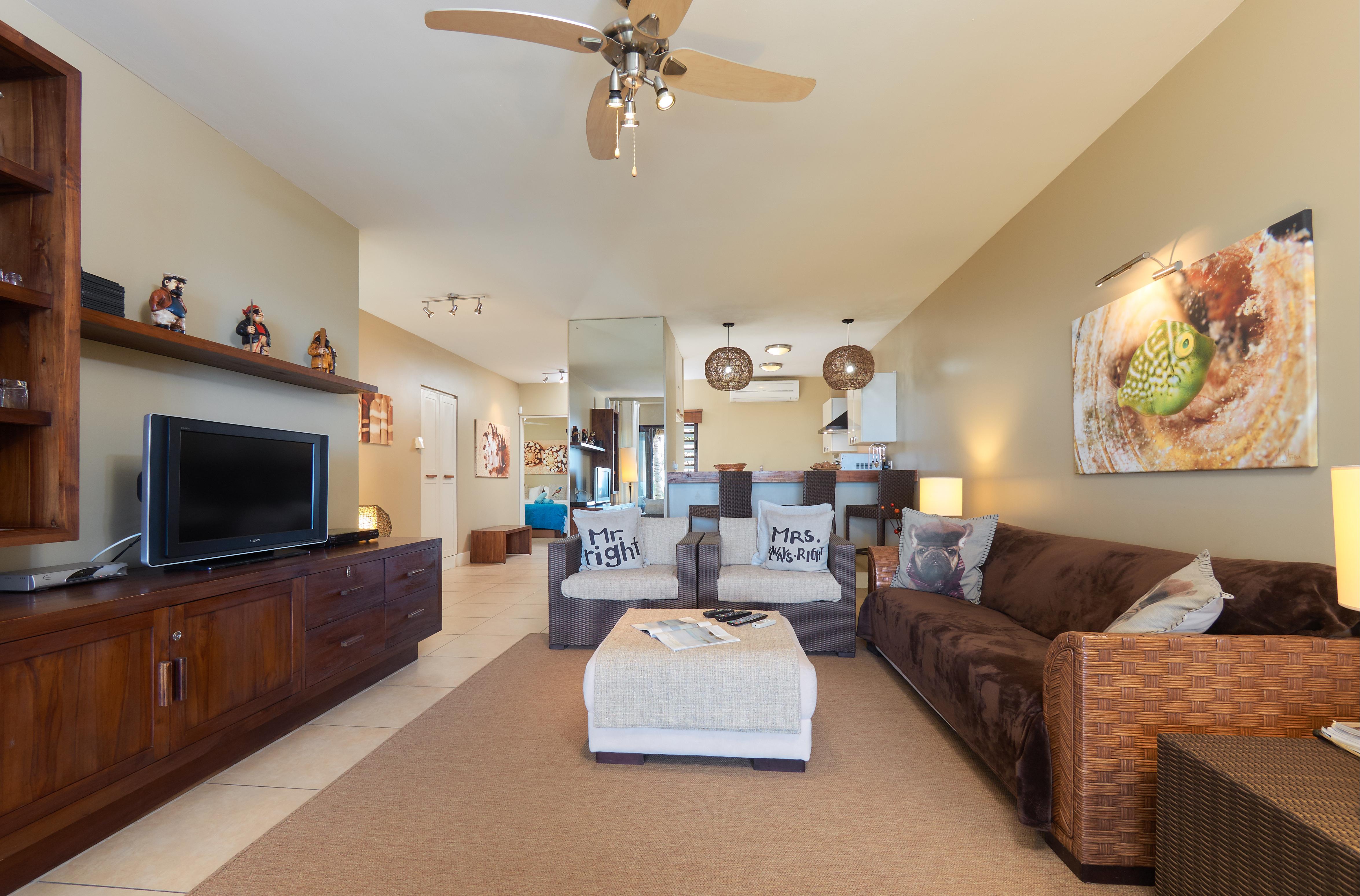 BA Suite Living Area (2)