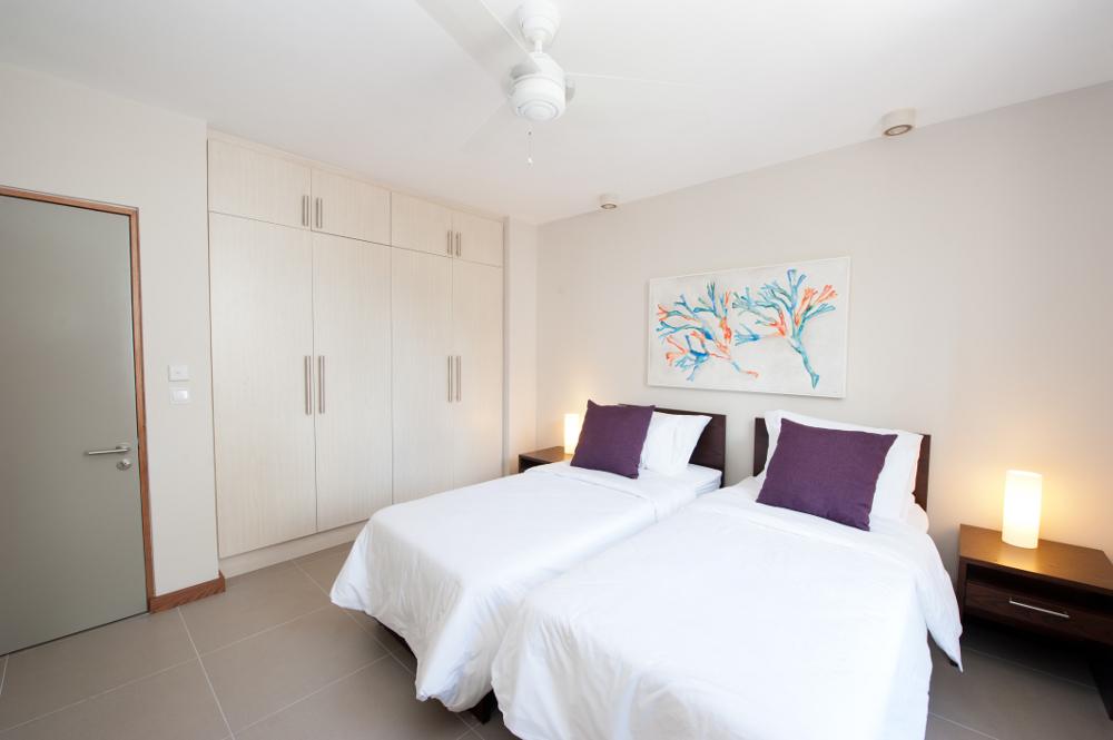 la-residence-luxury-beach-apartments-05.jpg