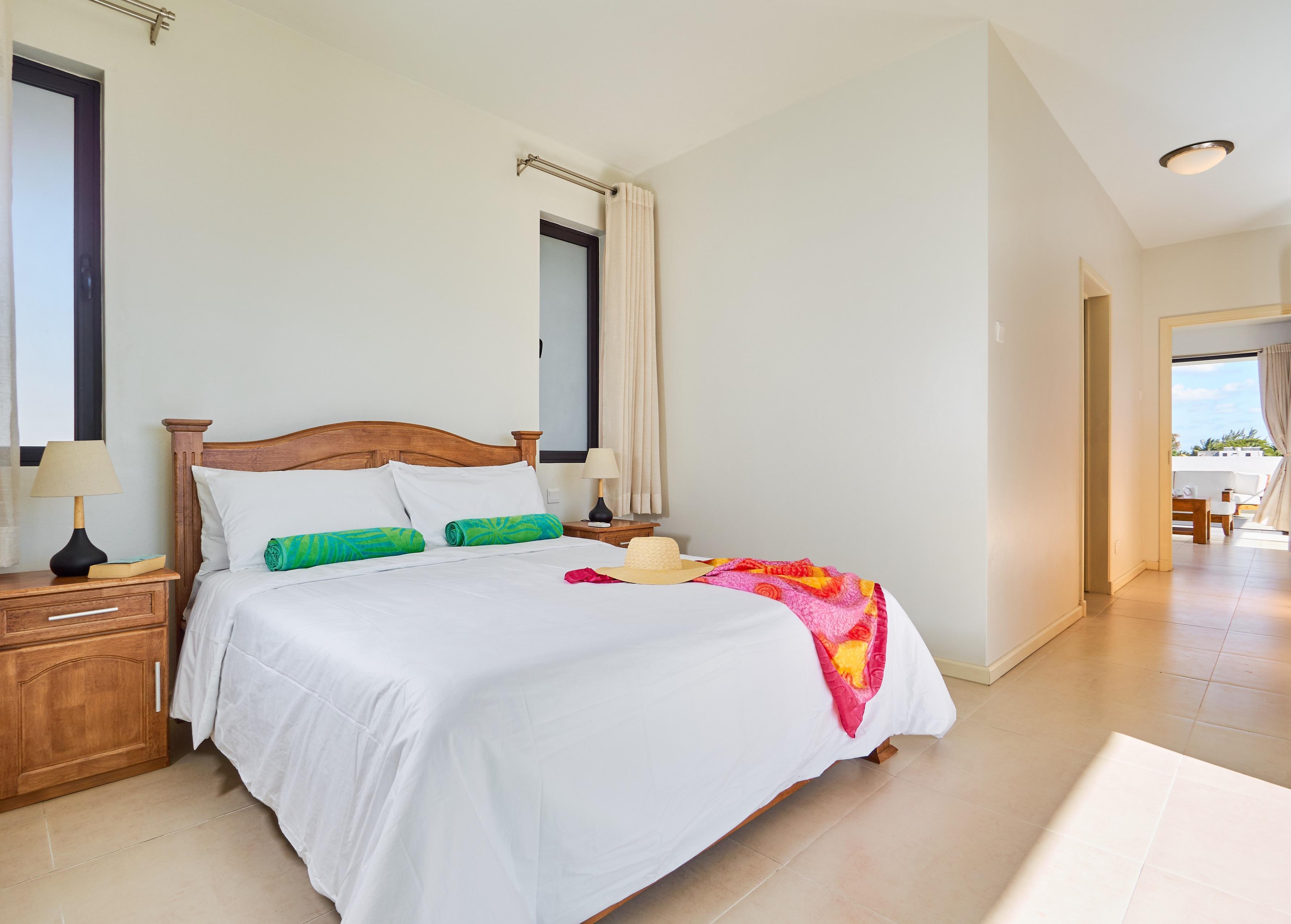 LD Penthouse Bedroom (2)