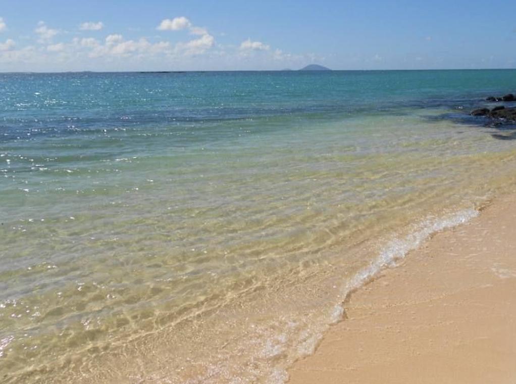 Villa pieds dans l'eau CAP MALHEUREUX plage.jpg