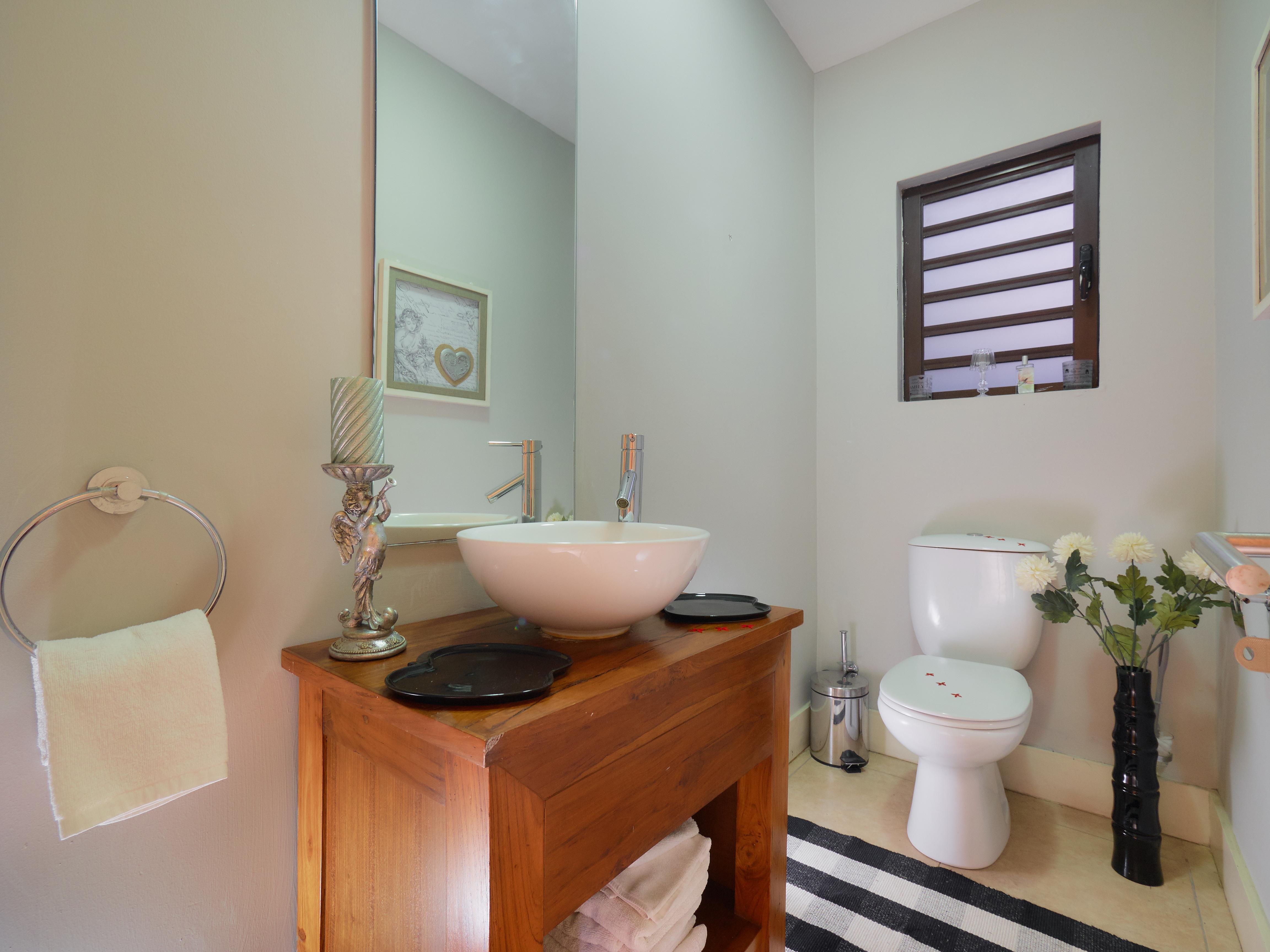 BA Villa Toilet