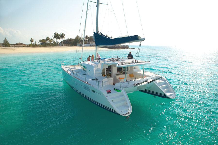 Excursions en mer en Catamarans sur les côtes Ouest et Est de Maurice