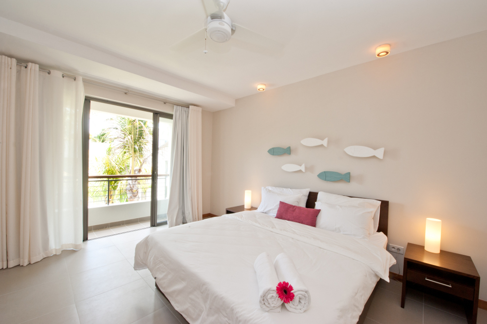 la-residence-luxury-beach-apartments-07.jpg