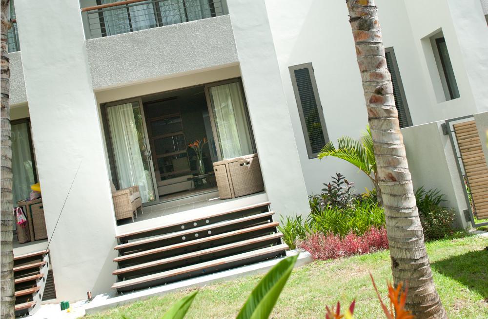 la-residence-luxury-beach-apartments-04.jpg