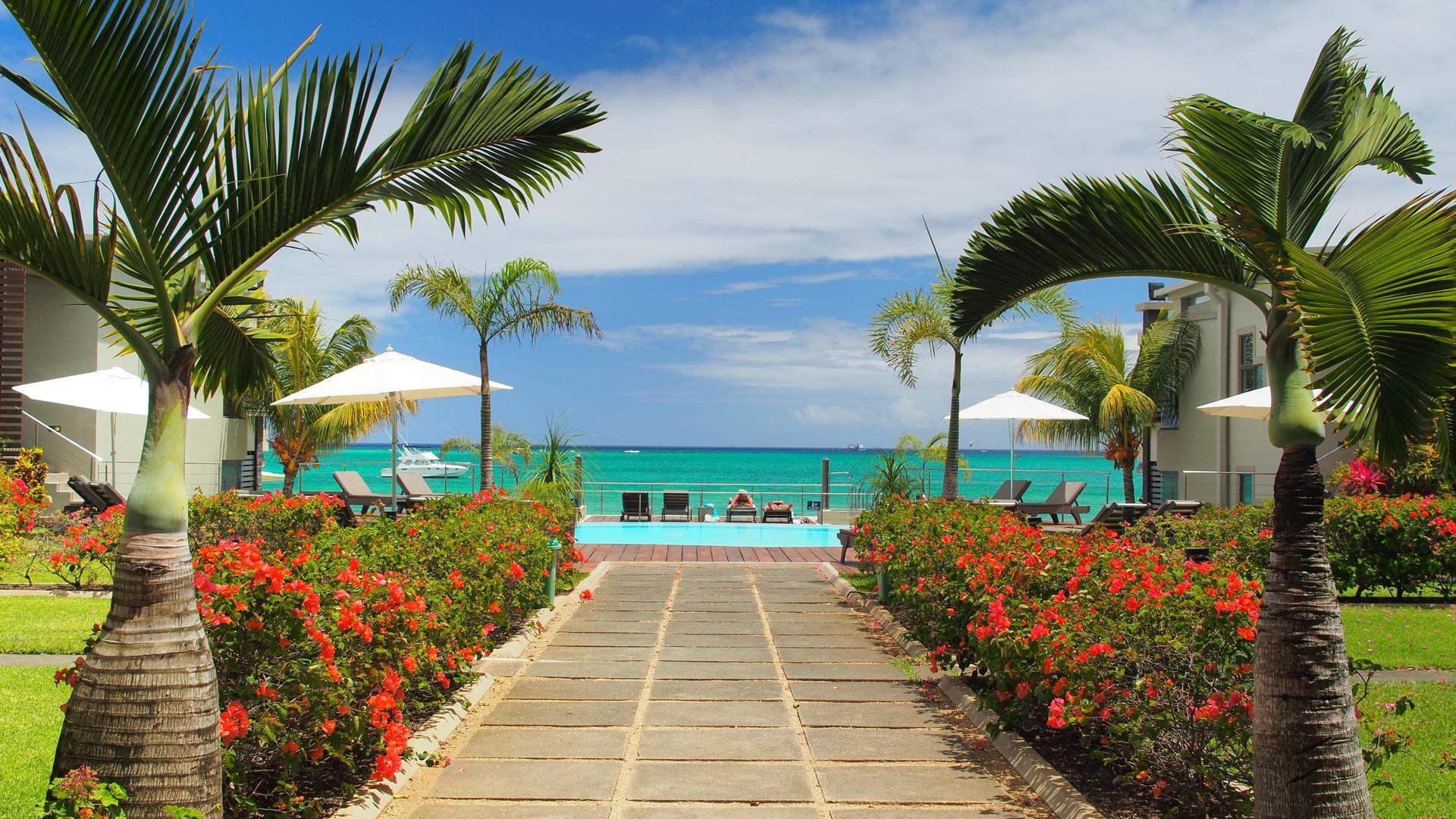 Lov. Le Cerisier Beach Apartments & Penthouses -  Entrance C.jpg