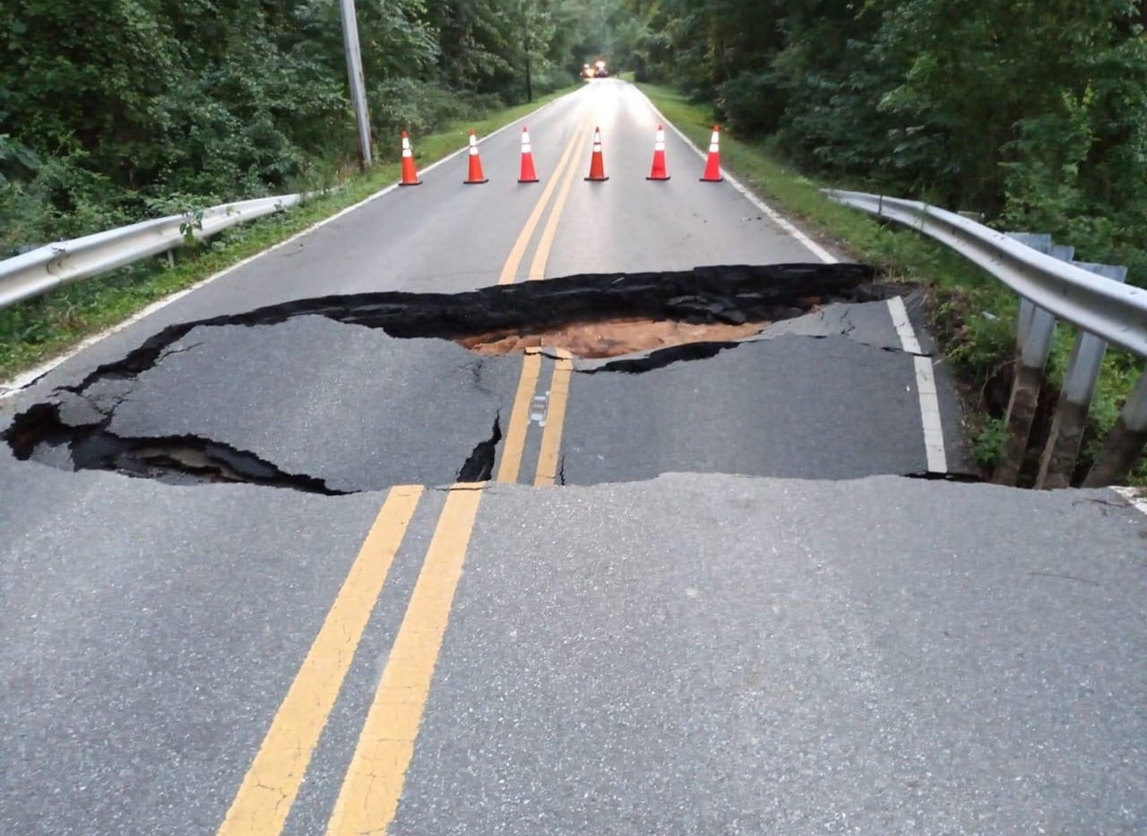 Plum Point Rd sinkhole