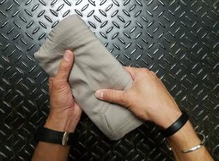 遊びにも出張にも!5.11 夏のマストバイ!撥水加工された軽量なポリリップショートパンツ!